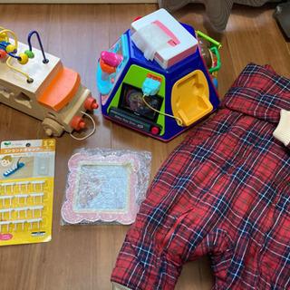 【無料】ベビー用品 おもちゃ、服、写真立、譲ります