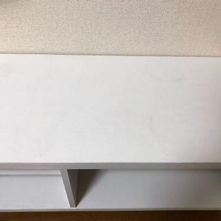 白い戸棚、テレビ台