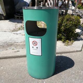 ゴミ箱 野外 ①
