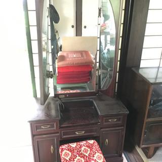 三面鏡化粧台