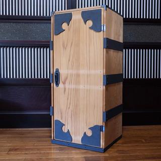 鬼の子が入ってそうな木箱(A)時代箪笥の画像