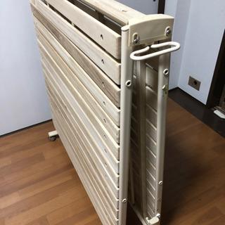折り畳めるすのこベッド