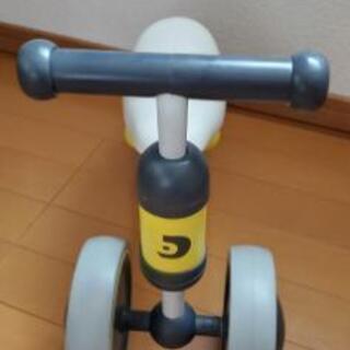 子供 足蹴りバイク(サドルの高さ調整できない)