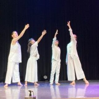 ジュニアのためのコンテンポラリーダンスクラス