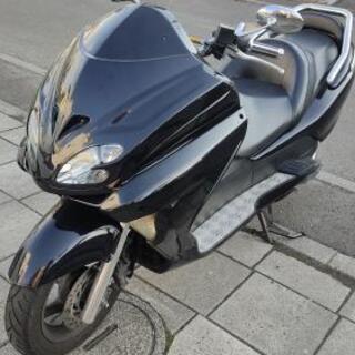 ホンダ フォルツァ MF08 ビッグスクーター