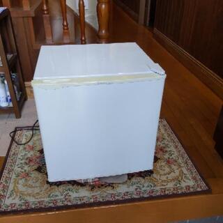 小型ワンドア冷蔵庫