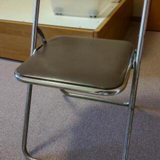 0円 折りたたみパイプ椅子