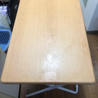 ニトリ の折り畳みテーブル