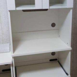 ホワイト 食器棚 新品未使用 だけど…