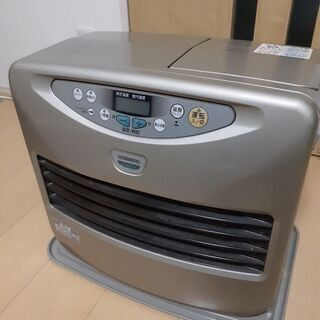 【ネット決済】ファンヒーターと灯油缶2つと収納ケース