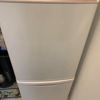 Panasonic 冷蔵庫 NR-BW147C-W 138Lの画像