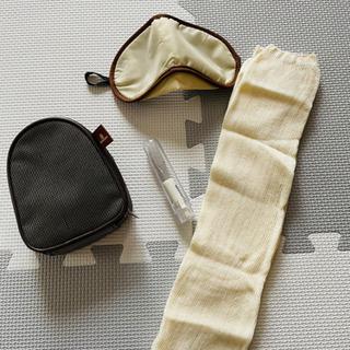 【未使用】エミレーツ航空 アメニティポーチ(靴下、歯ブラシ…