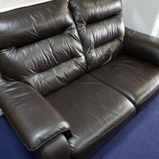 超美品‼️2人掛けワイドソファー❗️ダークブラウン色❗️2.5人ソファ‼️一度座ってみて下さい😍座り心地良い極上品です✨ - 家具