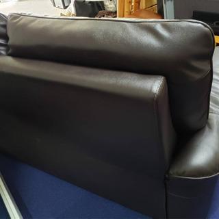 超美品‼️2人掛けワイドソファー❗️ダークブラウン色❗️2.5人ソファ‼️一度座ってみて下さい😍座り心地良い極上品です✨ - 売ります・あげます