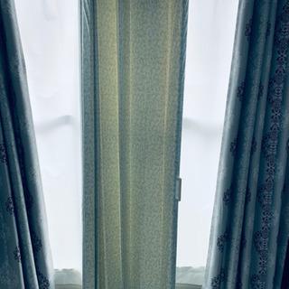 4/20迄春っぽい薄いグリーン仕切りカーテン