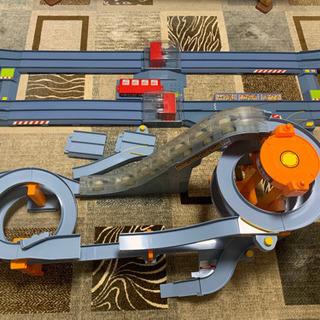 トミカ ビッグタワーサーキット びゅんびゅんサーキット 中古 おもちゃ