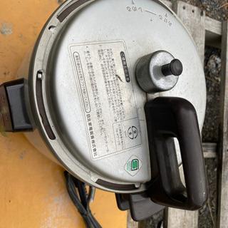 電気式圧力鍋
