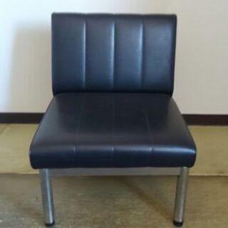 事務所の椅子差し上げます
