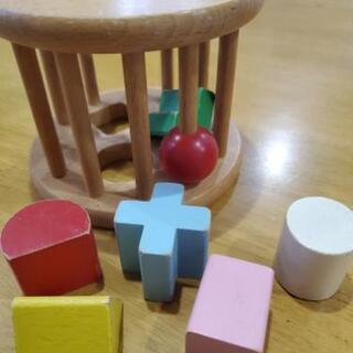 ミキハウス 木の知育玩具