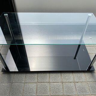 ガラステーブル または TV台
