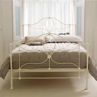 ローラアシュレイのベッド