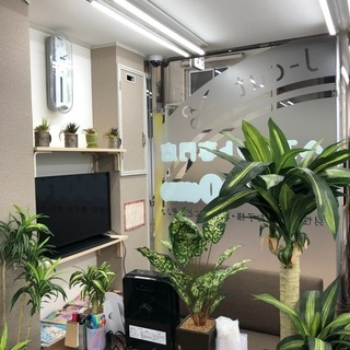 美容師見習い カット専門店での雑務 − 大阪府