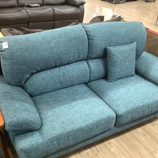 快適!!ブルーのソファー入荷しました。