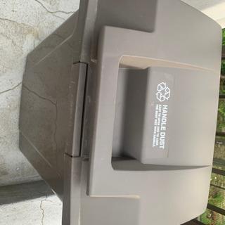 ハンドル付きゴミ箱 70L