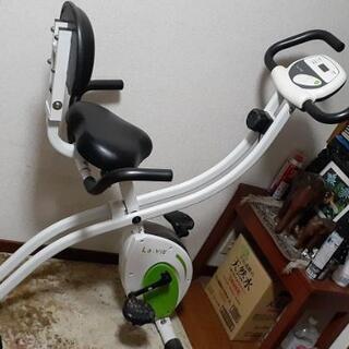 サイクリングマシン3000円で、売ります。
