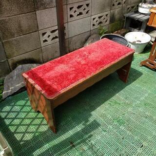 アンティーク布張り椅子
