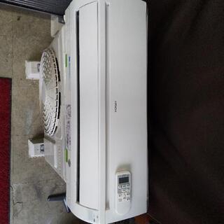 佐賀中古エアコン日立2013年2.2KW137番 - 売ります・あげます