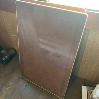 折り畳み式の座卓