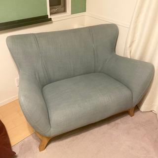 1.5人掛け 水色のソファー