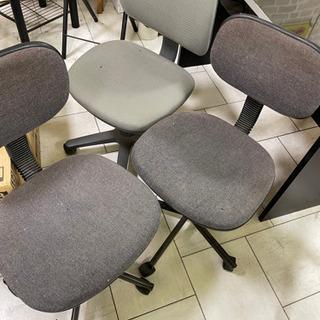 🎶至急処分!!オフィス椅子3個、早く受け取れる方限定!300円 − 沖縄県