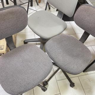 🎶至急処分!!オフィス椅子3個、早く受け取れる方限定!300円 - うるま市