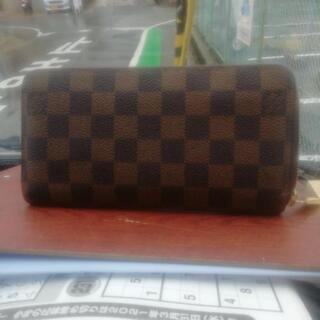 ヴィトンの長財布