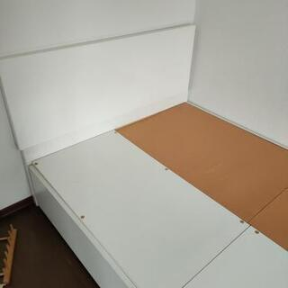 セミダブル ベッドフレーム イケアの画像