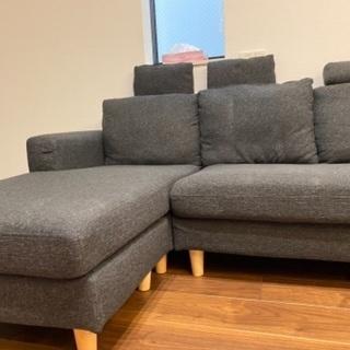 3人掛け灰色ソファー