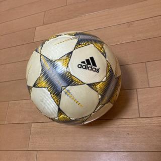 サッカーボール アディダス