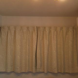 ベルメゾンのmini laboのカーテンセットの画像