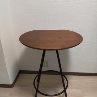 おしゃれな半円カフェテーブル 2名用