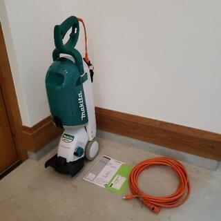 マキタ 集草ボックス付き電動芝刈機