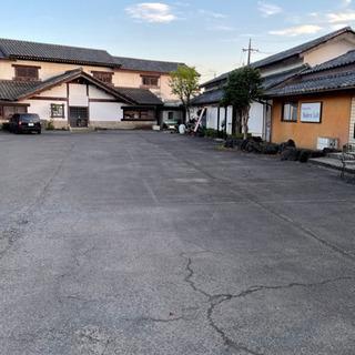 駐車場のライン引き塗装、アスファルトの部分舗装と補修