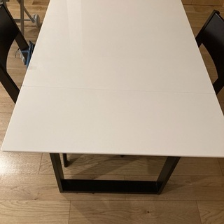 ニトリダイニングテーブル 椅子