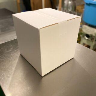白ダンボール箱 138枚(新品でまだ梱包されている状態)