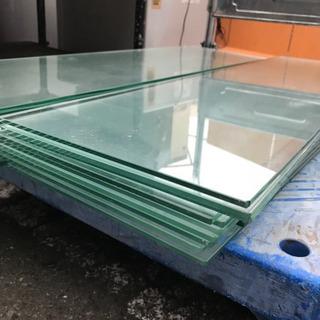 ガラス板のみ☆85500厚さ5ミリ900×250沢山あります