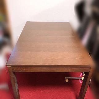 大きさ調節可能なダイニングテーブルと椅子4脚セット 半額以下です - 高知市