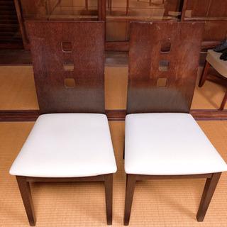 大きさ調節可能なダイニングテーブルと椅子4脚セット 半額以下です - 売ります・あげます
