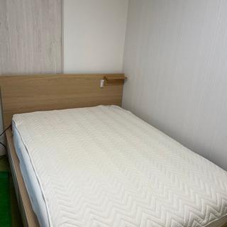 ベッドフレーム(3000円)