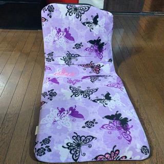 座椅子 蝶々🦋 イス 1つ 無料